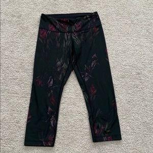 Lululemon iris print 3/4 length leggings